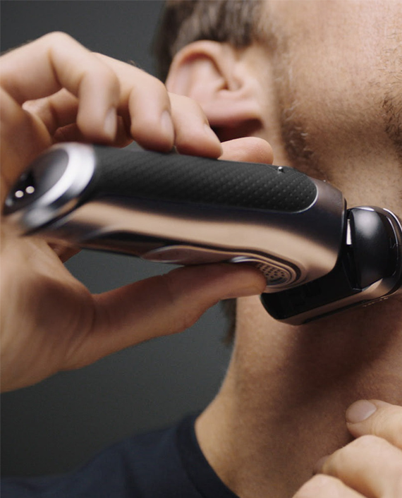 Braun Series 9 9350s Wet & Dry Shaver in Qatar
