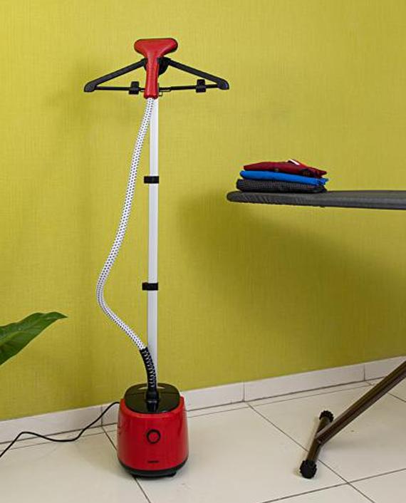 Geepas GGS9695 2 Litre Single Poles Adjustable Garment Steamer